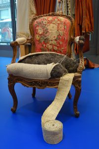 mobilier-national-exposition-ministere-culture-communication-ecorche-fauteuil