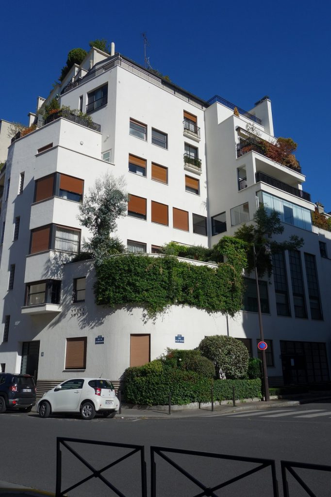 rue-mallet-stevens-paris-16-arrondissement