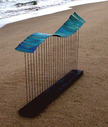 manon-damiens-sculpture-metal-dinanderie-vague